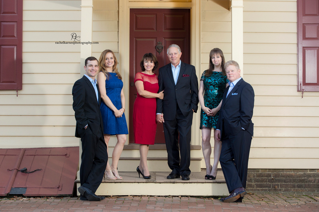 Formal-family-photoshoot-in-colonial-williamsburg-VA