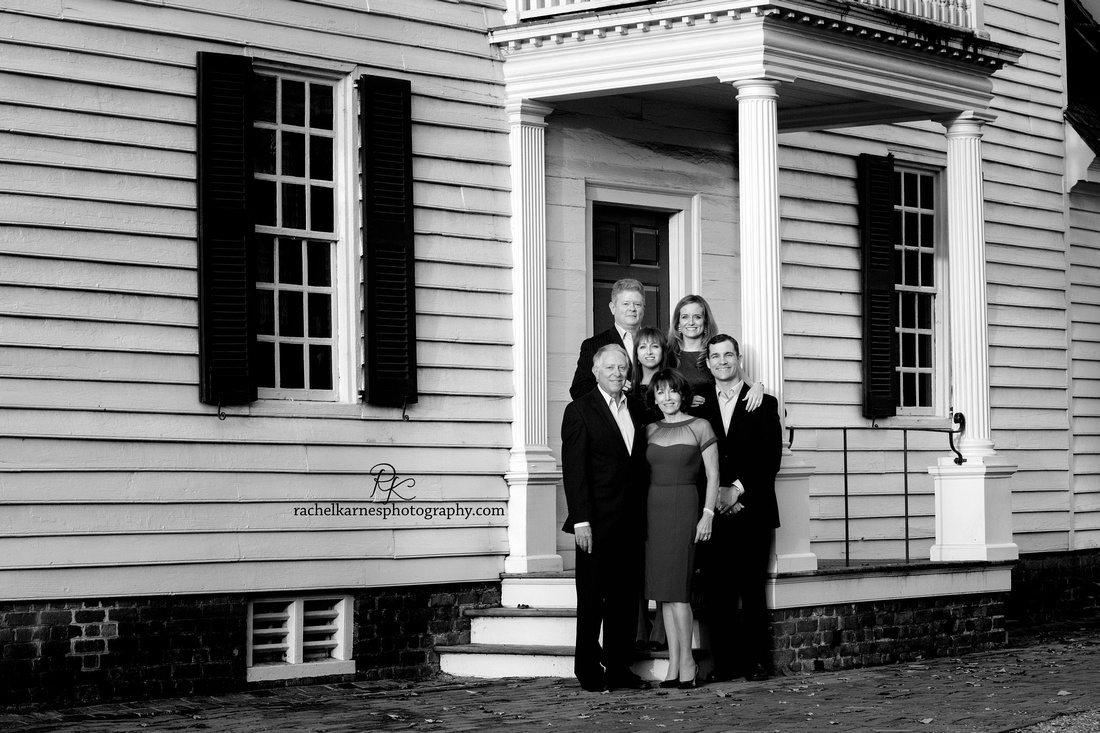 exteded-family-photo-shoot-in-colonial-williamsburg