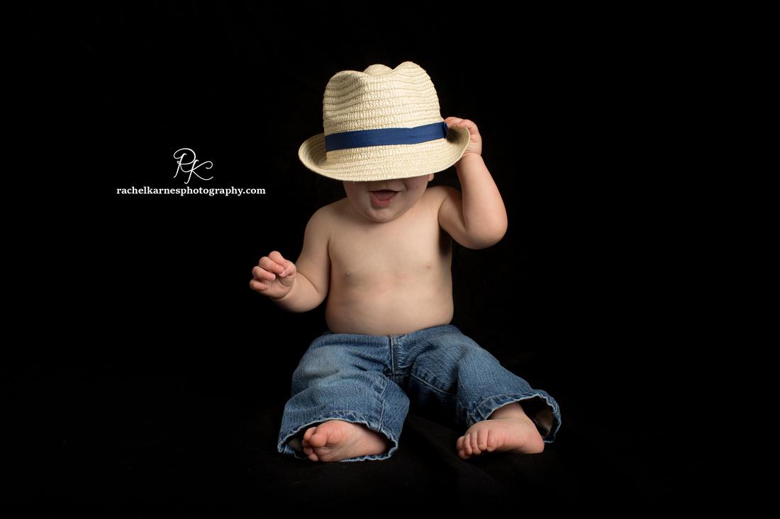 baby-in-fedora-in-williamsburg-photo-studio
