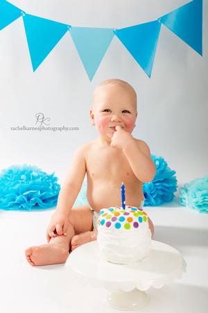 one-year-boy-cake-smash-in-williamsburg-studio