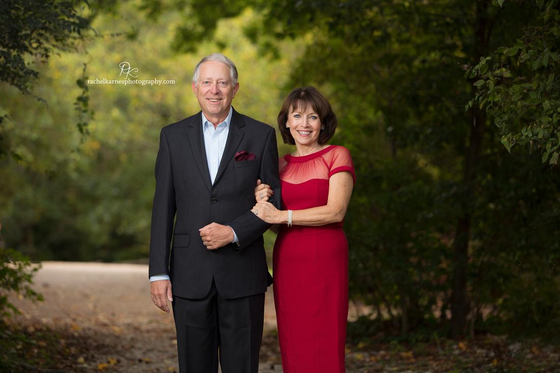 40th-anniversary-couples-photo-in-williamsburg-VA
