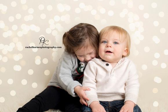 Siblings-Photo-Session-in-Williamsburg-studio