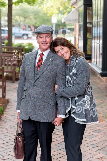 couple-photo-shoot-in-williamsburg-merchant-square