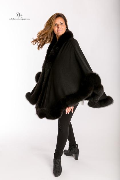 woman-modeling-black-fur-cape-at-williiamsburg-va-commercial-photo-shoot