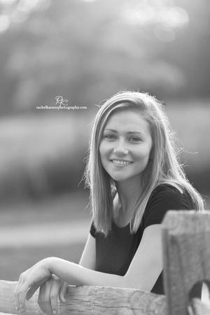 black-and-white-Senior-Portrait-in-Williamsburg-VA