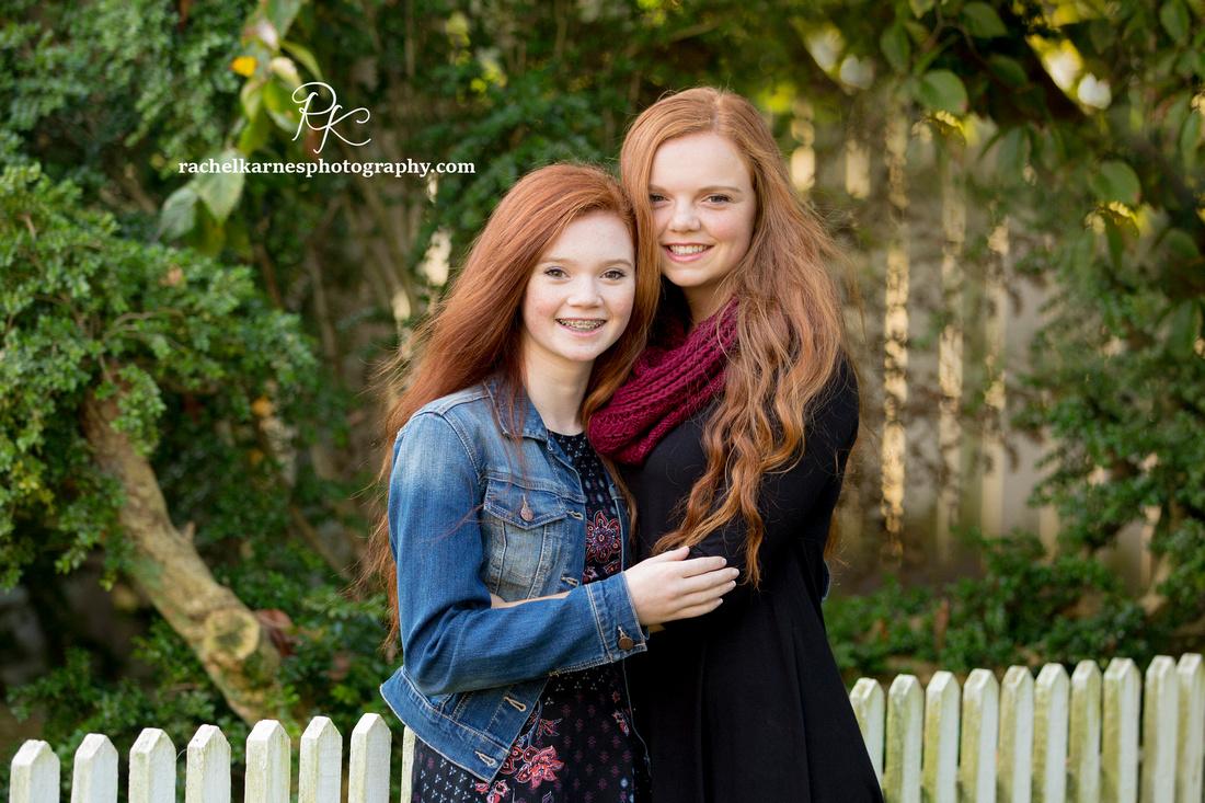 Sisters-Williamsburg-Fall-Photo-Session