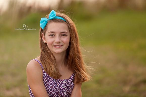 girl in field in williamburg
