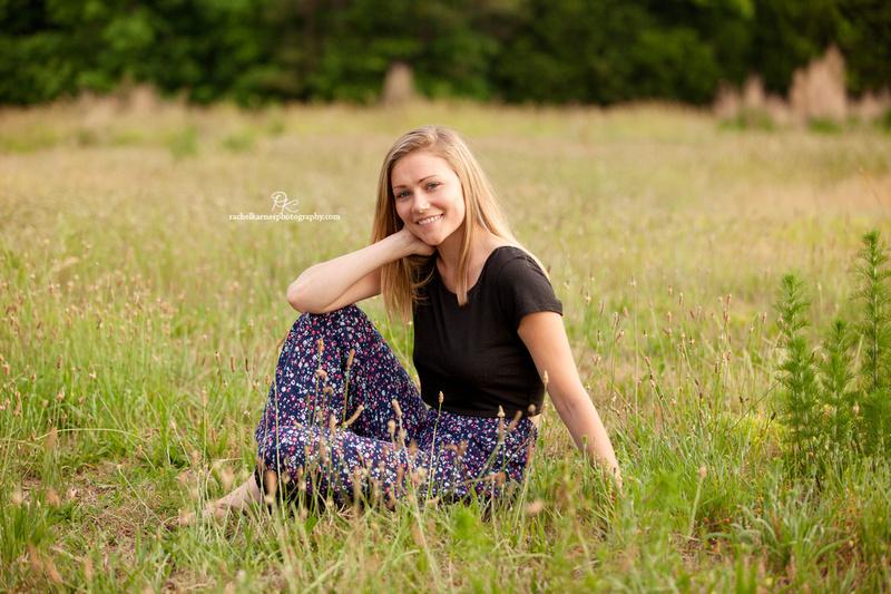 High-School-Senior-Photo-Shoot-in-Williamsburg-Field