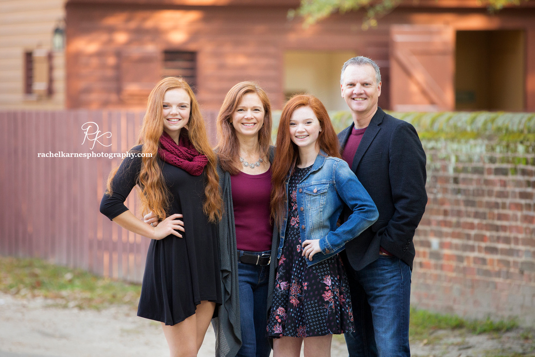 Fall-family-photoshoot-in-Colonial-Williamsburg