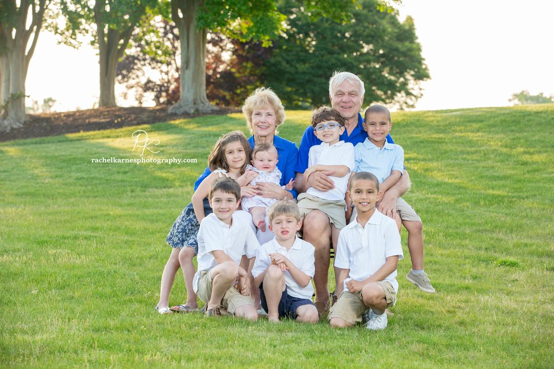 grandparents-with-grandchildren-in-williamsburg