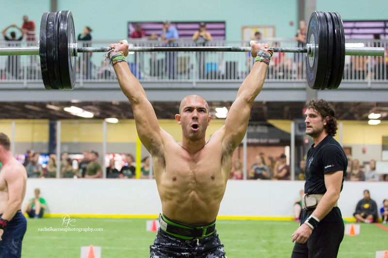 man-snatching-at-crossfit-competition