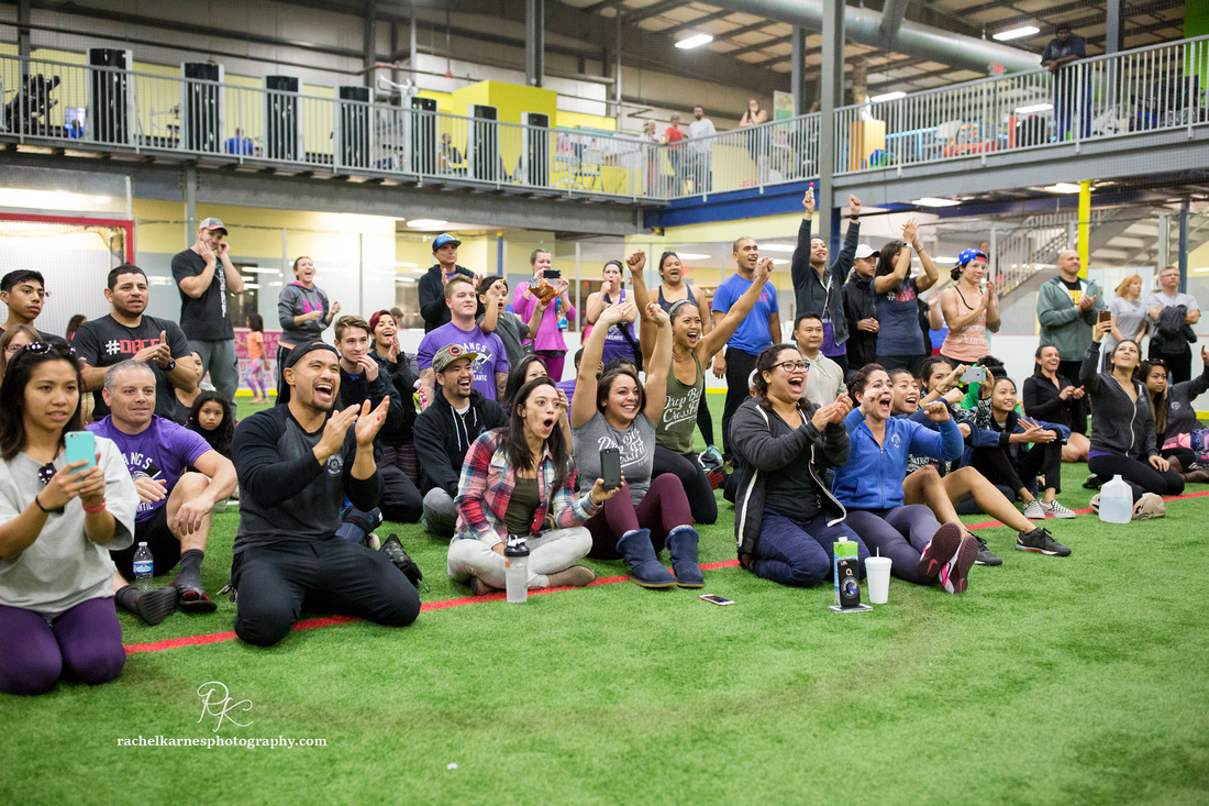 cheering-on-team-at-crossfit-competition