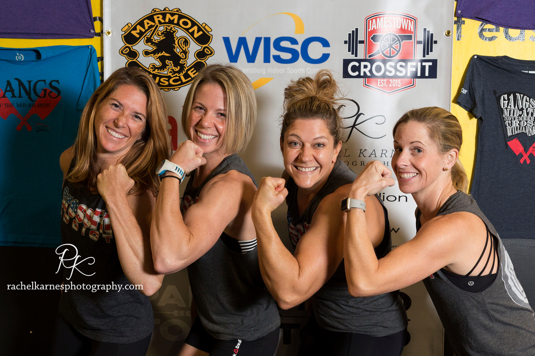 female-crossfit-competition-team