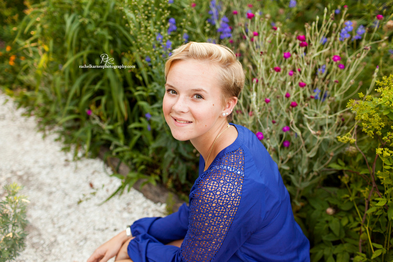 Senior Session in Colonial Williamsburg Gardens