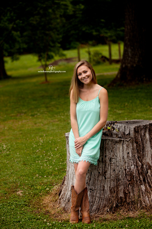 Warhill-Inn-Senior-Portrait-Photo-Shoot