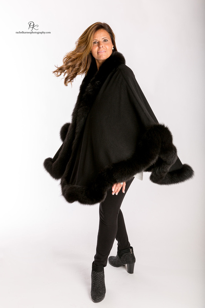 woman-modeling-black-fur-cape-at-williiamsburg-va-commercial-photo-shoot