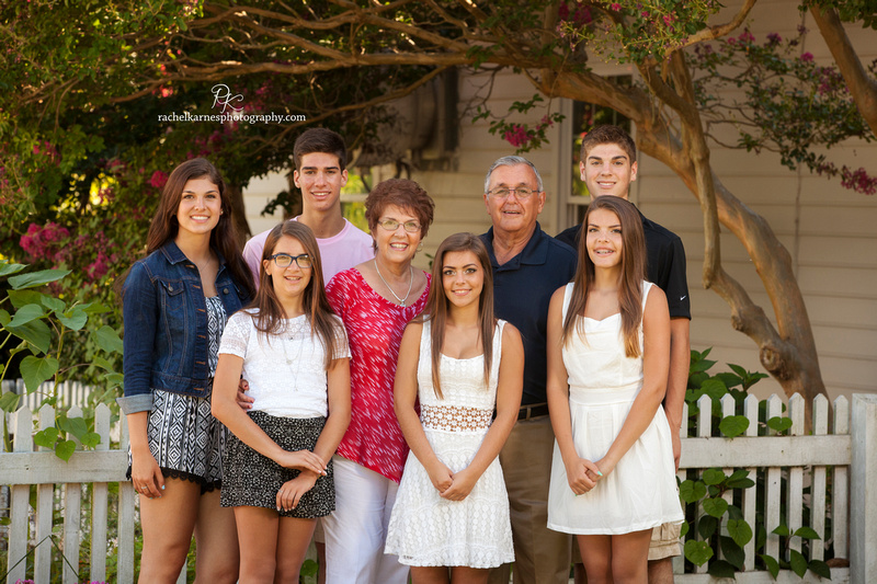 grandparents-with-grandchildren-in-williamsburg-portrait